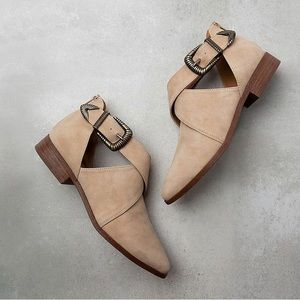 Shoes - NWT. Taupe cross band buckle flats